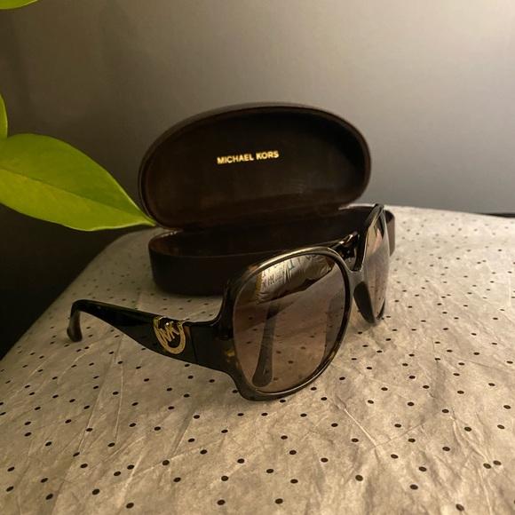 Michael Kors Fulton Sunglasses M2756s.